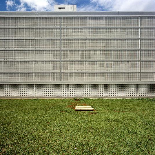 Superquadra,-Brasilia,-Brasil,-2008,-©-Nicolas-Grospierre_1