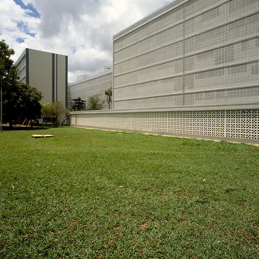 Superquadra,-Brasilia,-Brasil,-2008,-©-Nicolas-Grospierre_2