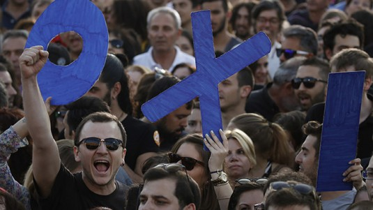 greece_bailout_referendum_euro_photo_yannis_behrakis